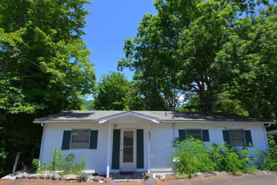 Robbinsville Single Family Home For Sale: 42 Black Bear Court