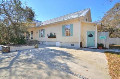 Oak Island Single Family Home For Sale: 3808 E Oak Island Drive
