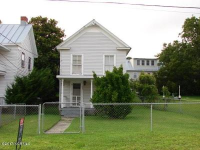 Swansboro Single Family Home For Sale: 220 S Water Street