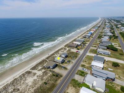 Oak Island Single Family Home For Sale: 905 E Beach Drive