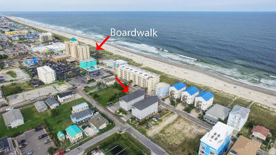 Carolina Beach, Kure Beach Condo/Townhouse For Sale: 208 S Carolina Beach Avenue #200