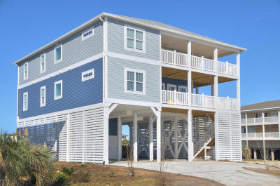 Oak Island Single Family Home For Sale: 5528 E Beach Drive
