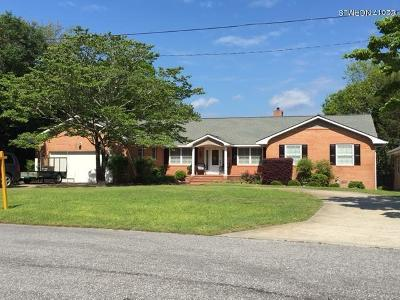 hubert Single Family Home For Sale: 154 Leslie Drive