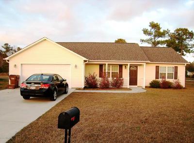 Hubert Single Family Home For Sale: 407 S Elisa Lane