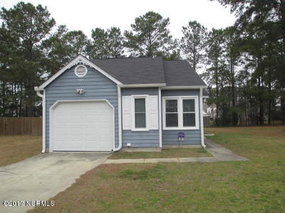 Onslow County Single Family Home For Sale: 498 Hemlock Drive