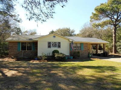 Pine Knoll Shores Single Family Home For Sale: 115 Willow Road