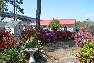 Oak Island Single Family Home For Sale: 8 E Yacht Drive