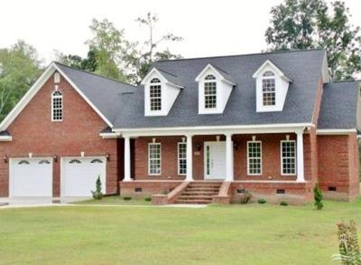 Whiteville Single Family Home For Sale: 355 Cape Fear Drive