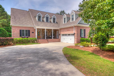 Hampstead Single Family Home For Sale: 203 Hatteras Court