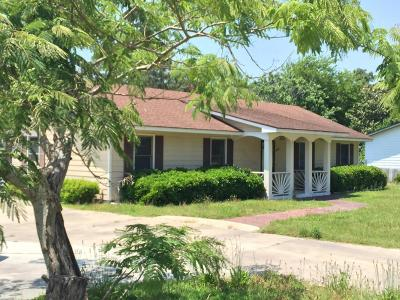 Newport Single Family Home For Sale: 139 9 Mile Road