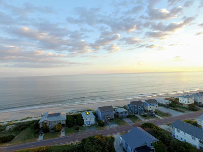 Oak Island Single Family Home For Sale: 4821 W Beach Drive