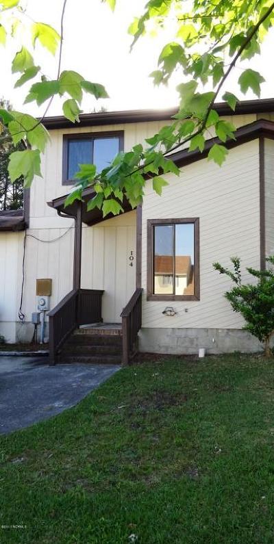 Jacksonville Condo/Townhouse For Sale: 104 Brenda Drive