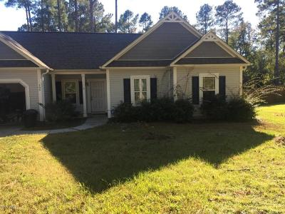 Sneads Ferry Single Family Home Active Contingent: 166 Scuba Drive