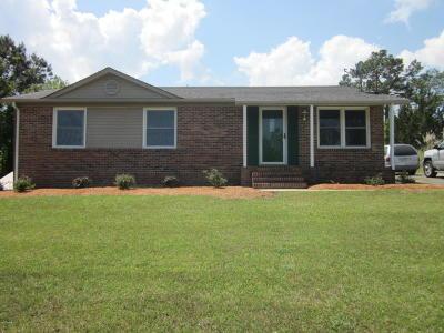 hubert Single Family Home For Sale: 128 Mullens Road