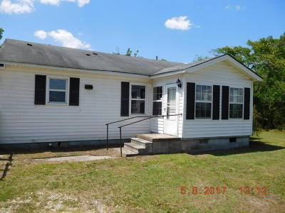 Richlands Single Family Home For Sale: 745 Comfort Road