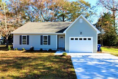 Newport Single Family Home For Sale: 352 Chatham Street