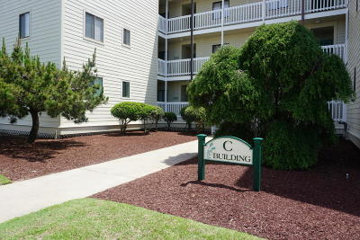 Emerald Isle Condo/Townhouse For Sale: 10300 Coast Guard Road #C305