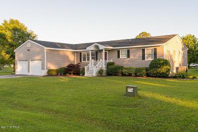 Morehead City Single Family Home For Sale: 3301 Mandy Lane