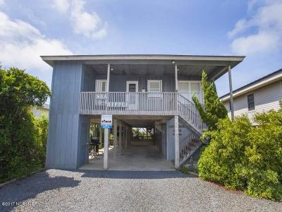Oak Island Single Family Home For Sale: 2523 W Beach Drive