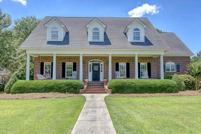 Onslow County Single Family Home For Sale: 100 Oyster Cove