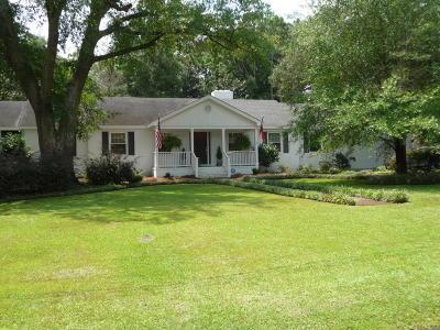 Wilmington Single Family Home For Sale: 2620-2622 Mayfair Drive