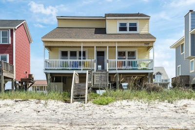 Oak Island Single Family Home For Sale: 727 W Beach Drive