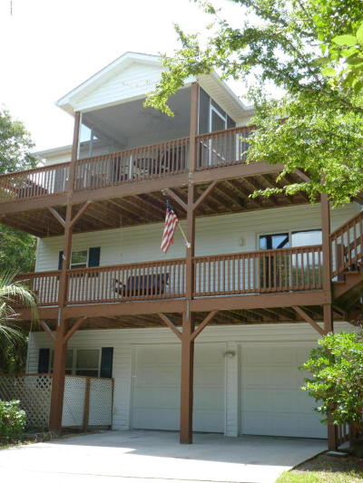 Emerald Isle Single Family Home For Sale: 5713 Landing Court