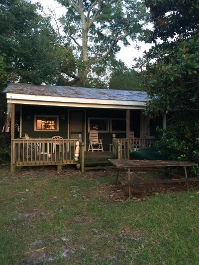 Hubert Single Family Home For Sale: 26 Arrowhead Drive