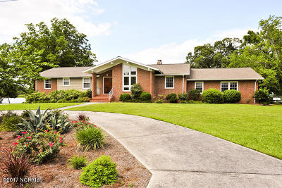 Jacksonville Single Family Home For Sale: 207 Anne Street