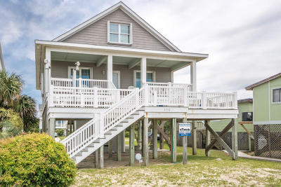 Oak Island Single Family Home For Sale: 3712 E Beach Drive