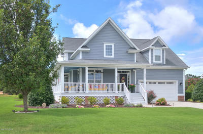 Southport Single Family Home For Sale: 5995 Gray Squirrel Path