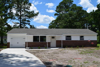 Jacksonville Single Family Home For Sale: 103 N Glen Court