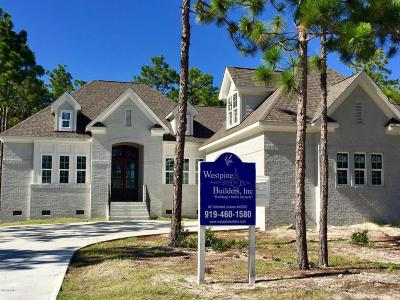 Southport Single Family Home For Sale: 2719 Shady Pine Circle