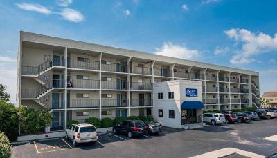 Wrightsville Beach Condo/Townhouse For Sale: 711 S Lumina Avenue #404
