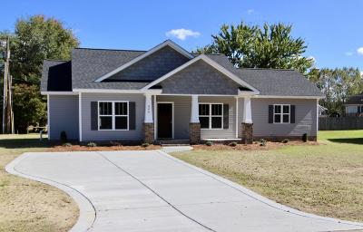 Tarboro Single Family Home For Sale: 804 W Country Club Drive