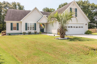 Sneads Ferry Single Family Home For Sale: 204 Vale Court