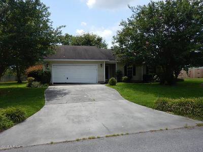 Onslow County Single Family Home For Sale: 302 Cornsilk Court
