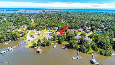 Sneads Ferry Single Family Home For Sale: 455 Chadwick Shores Drive
