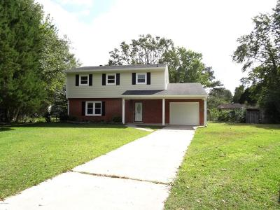 Onslow County Single Family Home For Sale: 121 Lance Court