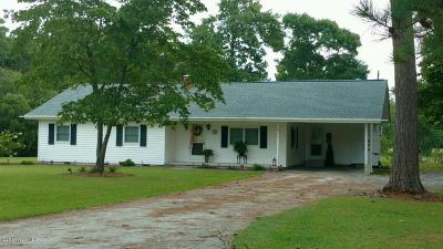 Swansboro Single Family Home For Sale: 210 Vic Lane