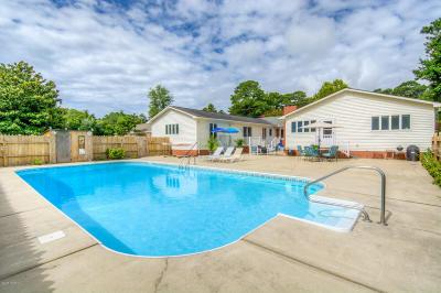 Morehead City Single Family Home For Sale: 223 Larkin Street
