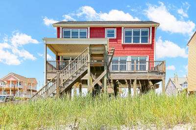 Oak Island Single Family Home For Sale: 729 W Beach Drive