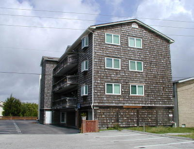 Carolina Beach, Kure Beach Condo/Townhouse For Sale: 306 S Lake Park Boulevard #202