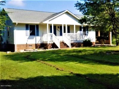 Richlands Single Family Home For Sale: 221 Comfort Road