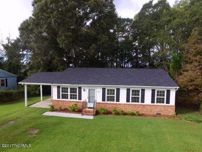 Swansboro Single Family Home For Sale: 731 W Phillips Drive
