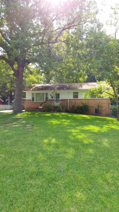 Jacksonville Single Family Home For Sale: 300 Long Acre Drive