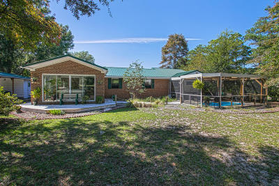 Southport Single Family Home For Sale: 1207 E Moore Street