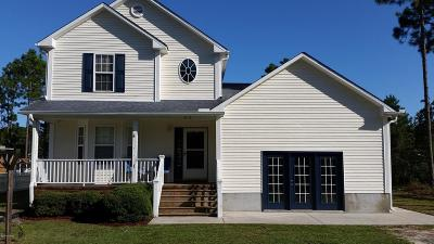 Southport Single Family Home For Sale: 816 Blueberry Road