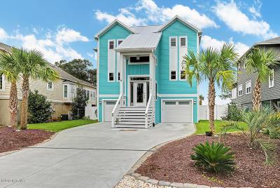 Oak Island Single Family Home For Sale: 406 W Yacht Drive