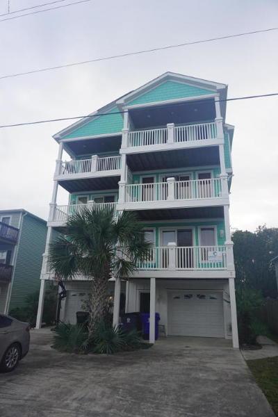Carolina Beach, Kure Beach Condo/Townhouse For Sale: 307 Greenville Avenue #2